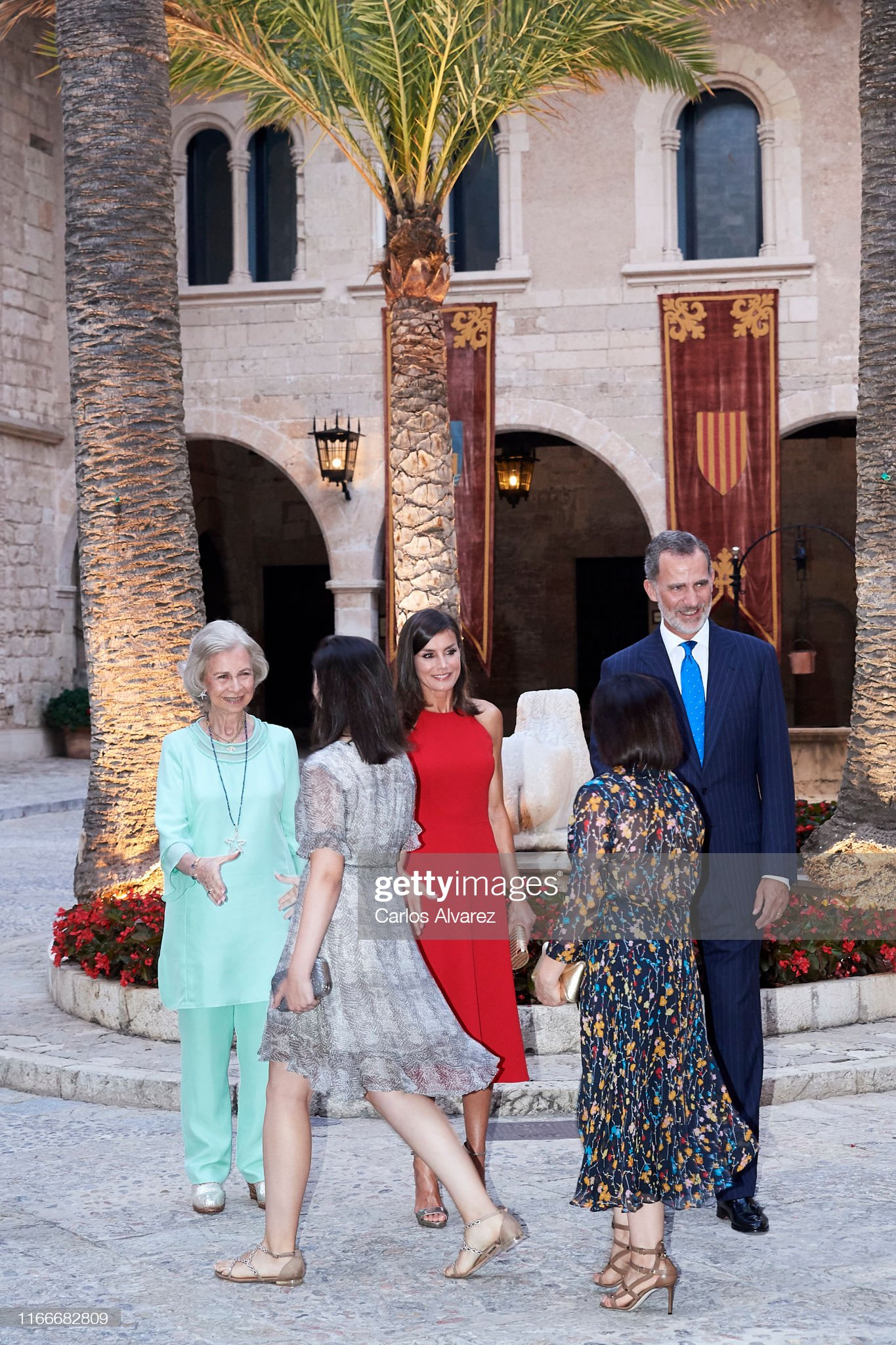 https://media.gettyimages.com/photos/king-felipe-vi-of-spain-queen-letizia-of-spain-and-queen-sofia-host-a-picture-id1166682809?s=2048x2048