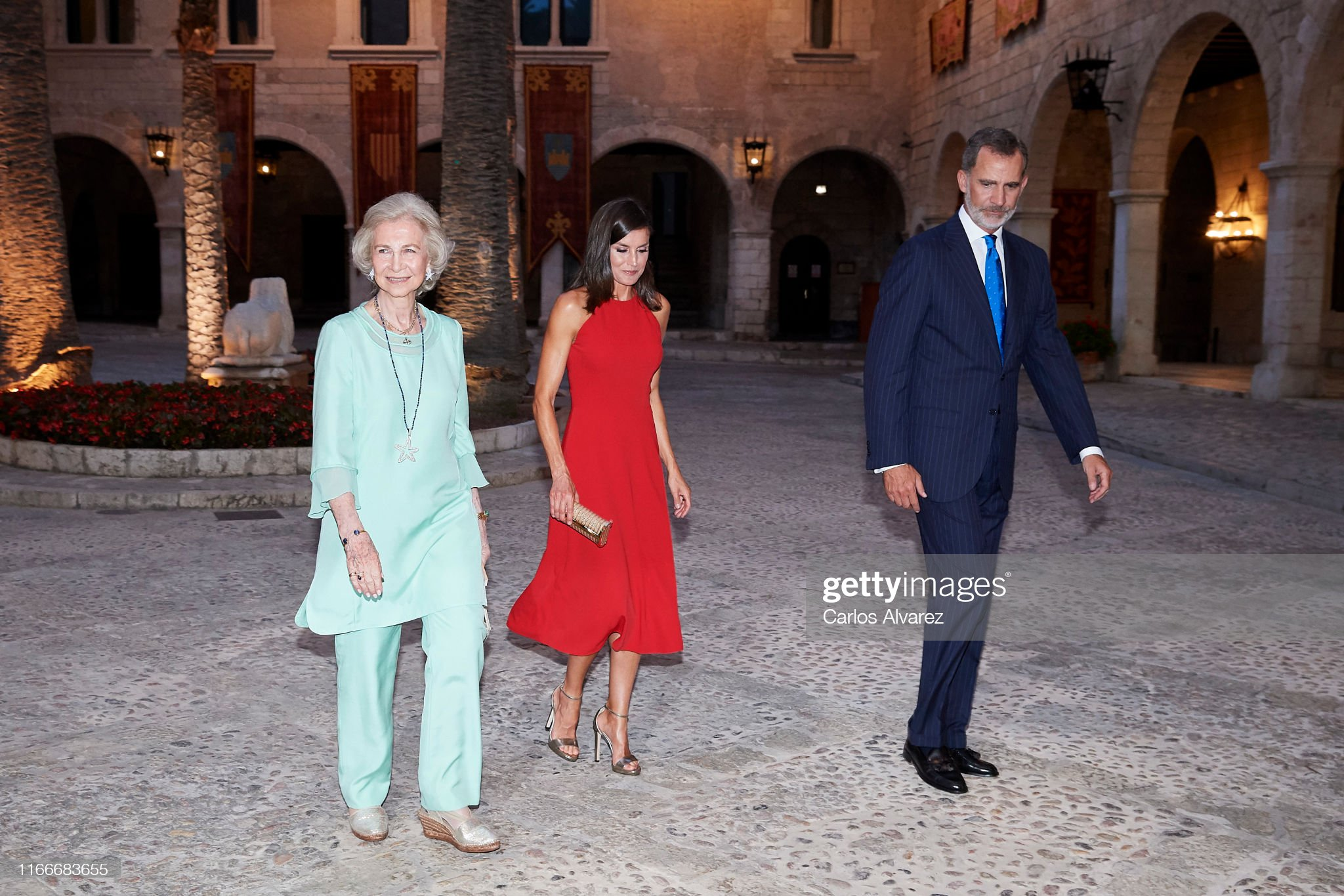 https://media.gettyimages.com/photos/king-felipe-vi-of-spain-queen-letizia-of-spain-and-queen-sofia-host-a-picture-id1166683655?s=2048x2048