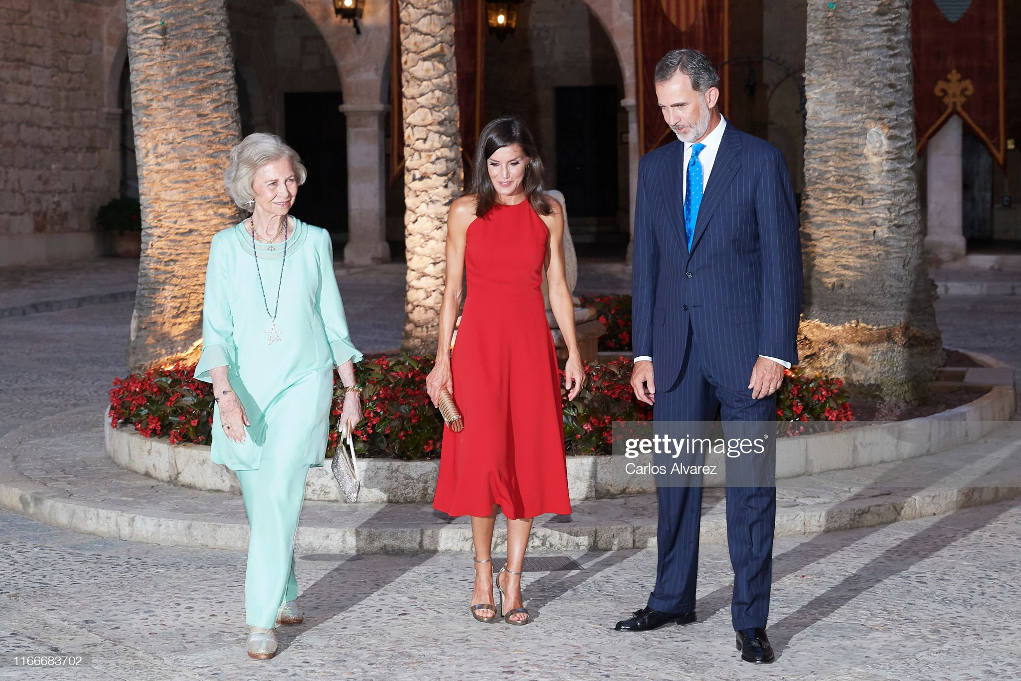 https://media.gettyimages.com/photos/king-felipe-vi-of-spain-queen-letizia-of-spain-and-queen-sofia-host-a-picture-id1166683702?s=2048x2048