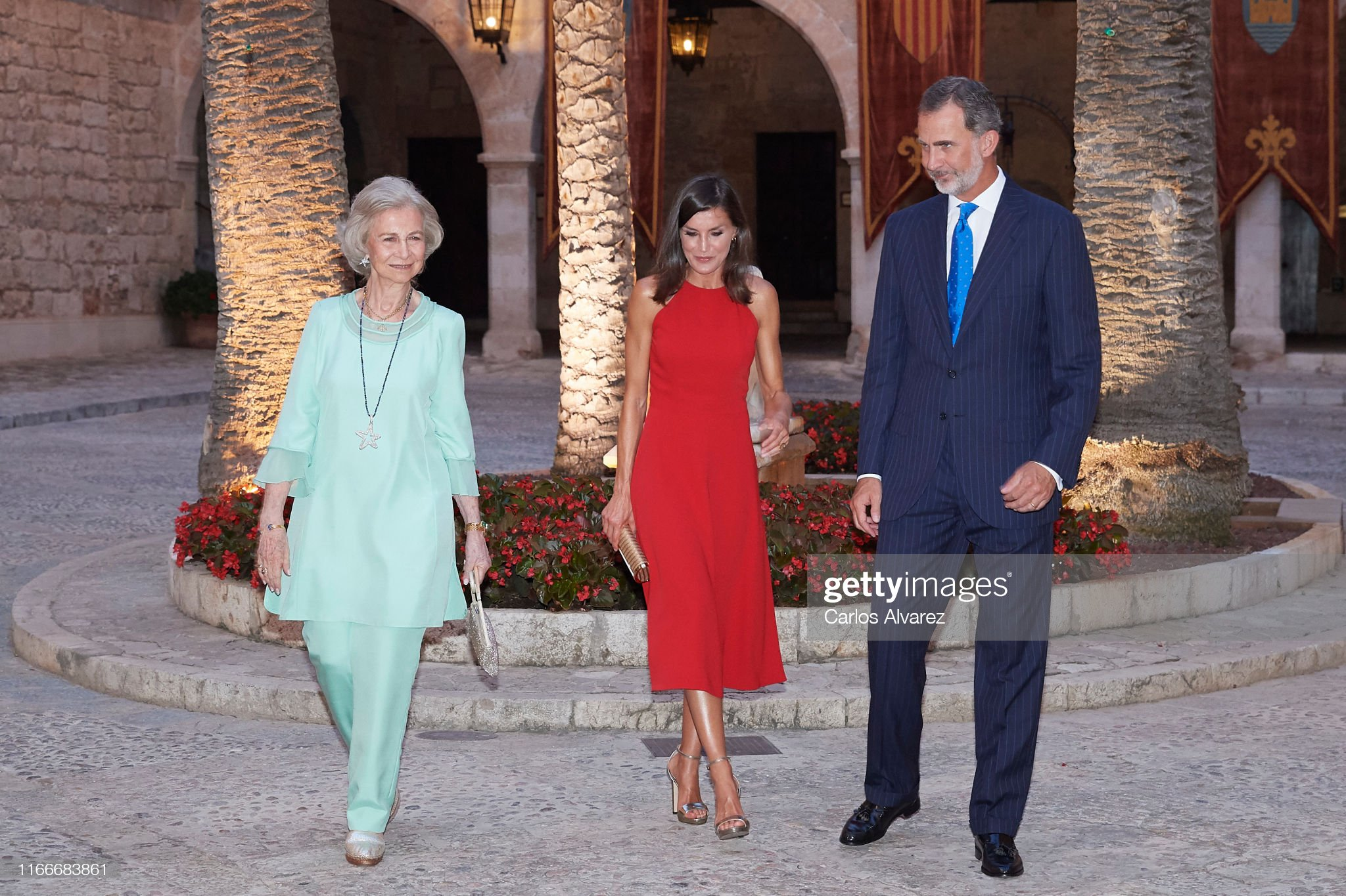 https://media.gettyimages.com/photos/king-felipe-vi-of-spain-queen-letizia-of-spain-and-queen-sofia-host-a-picture-id1166683861?s=2048x2048