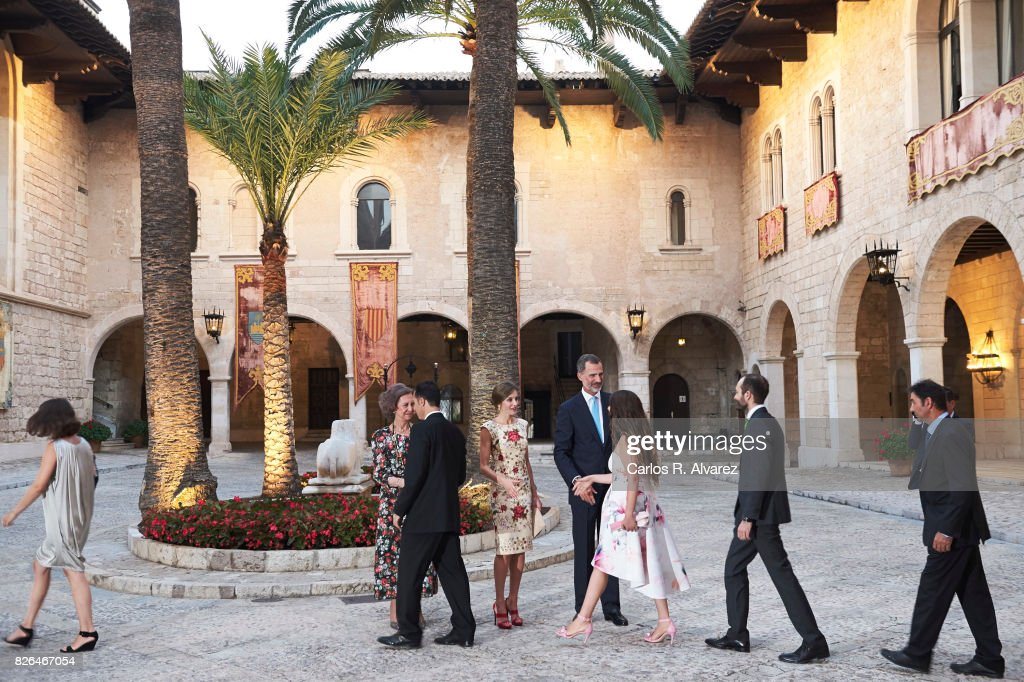 King Felipe VI of Spain (R), Queen Letizia of Spain (C) and Queen Sofia (L) host a dinner for authorities at the Almudaina Palace on August 4, 2017 in Palma de Mallorca, Spain.