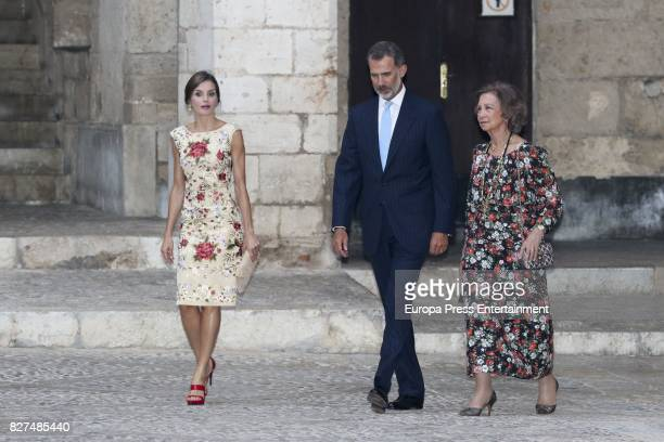 King Felipe VI of Spain Queen Letizia of Spain and Queen Sofia host a dinner for authorities at the Almudaina Palace on August 4 2017 in Palma de...