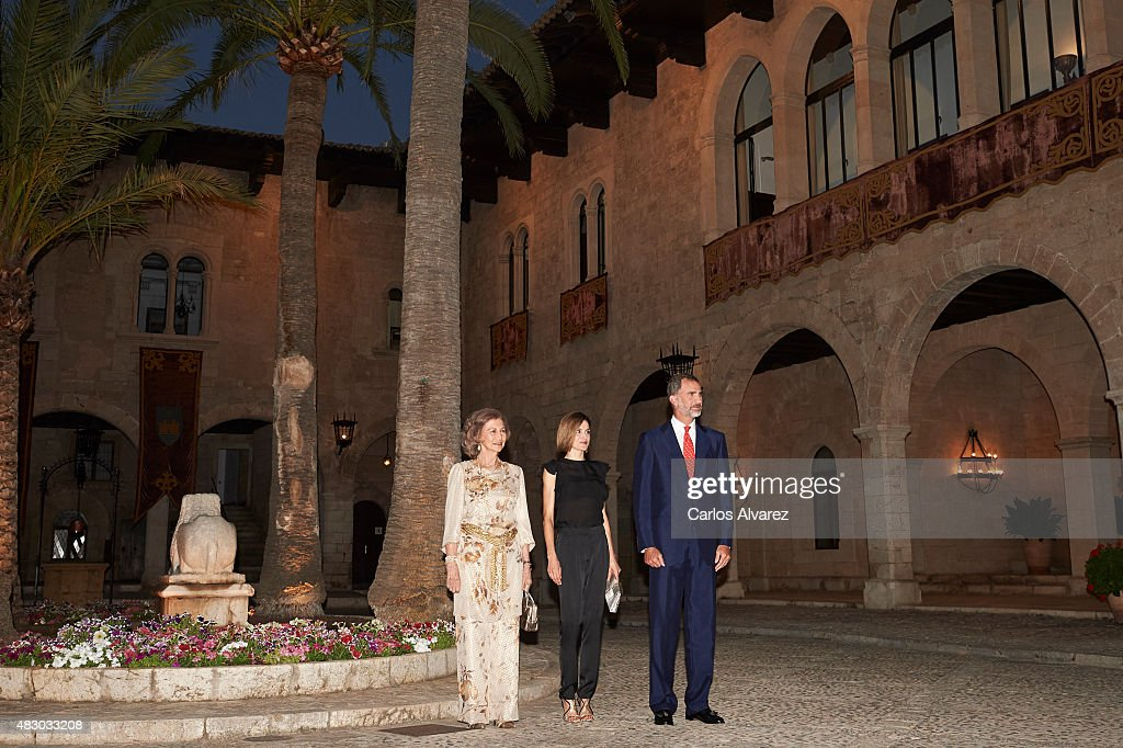 King Felipe VI of Spain (R), Queen Letizia of Spain (C) and Queen Sofia of Spain (L) attend a official reception at the Almudaina Palace on August 5, 2015 in Palma de Mallorca, Spain.