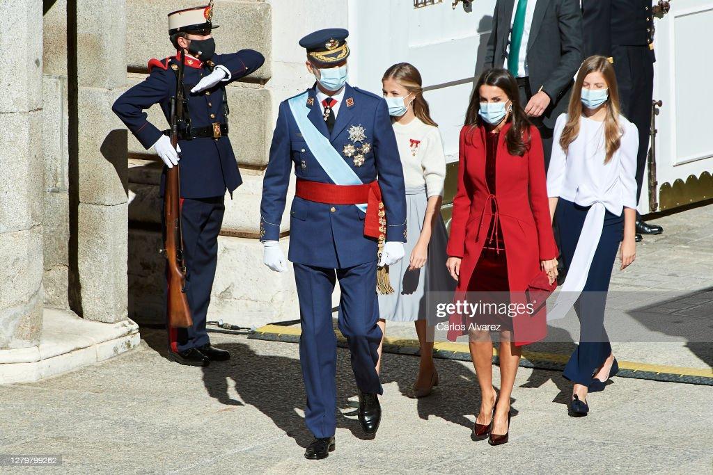 Spanish Royals Attend The National Day Military Parade : Fotografía de noticias