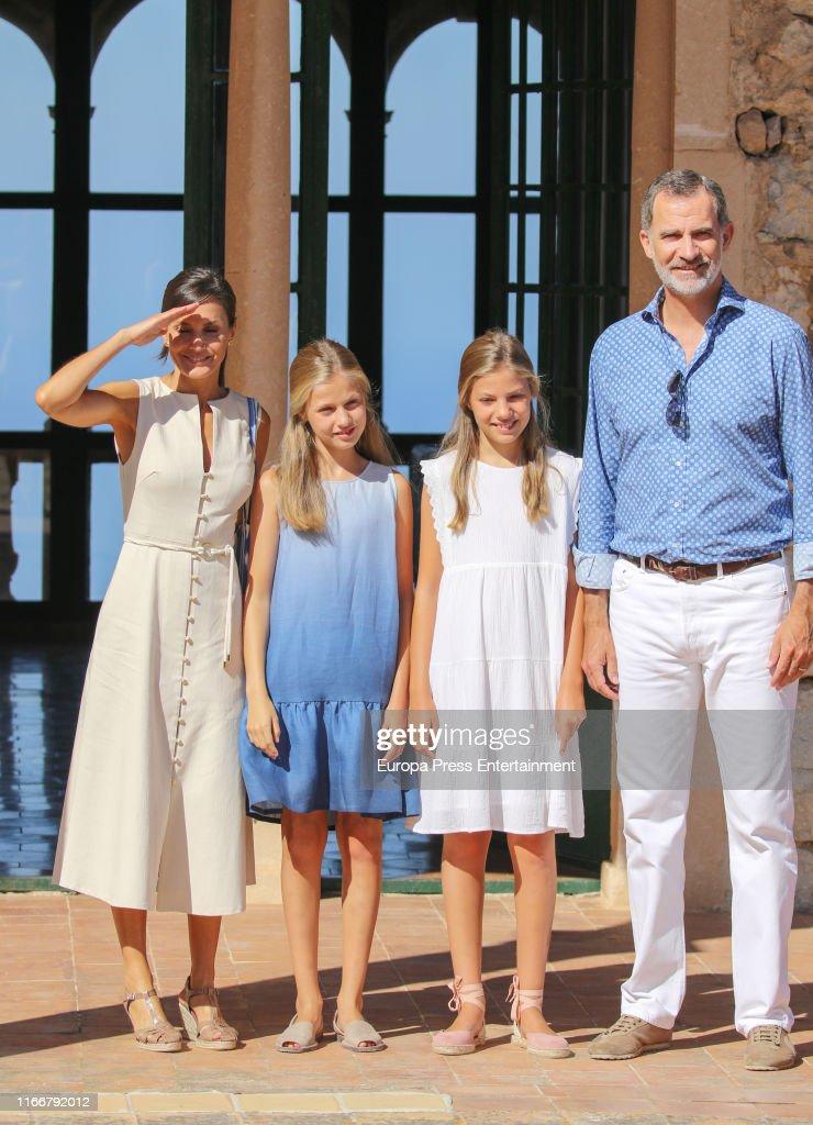 Spanish Royals Visit 'Son Marroig' Museum : Nachrichtenfoto