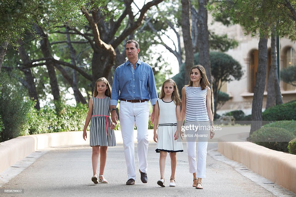 Spanish Royals Pose At Marivent Palace : News Photo