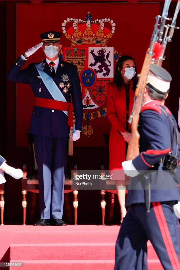 Queen Letizia, King Felipe and family celebrate Spain's National Day : Fotografía de noticias