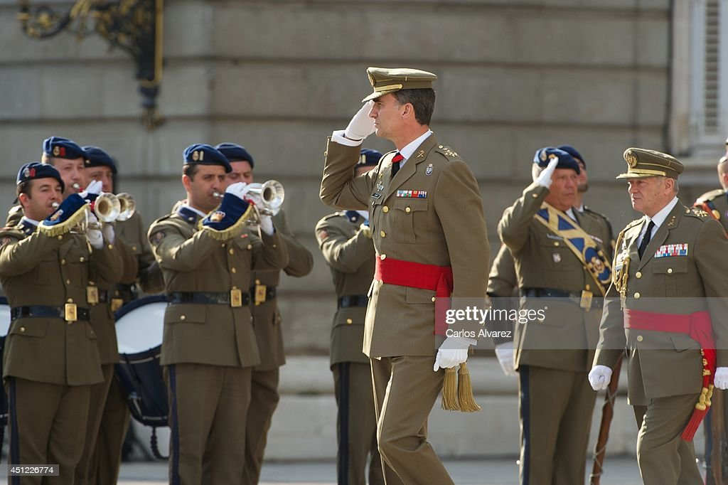 King Felipe VI of Spain (C) receives Armed Forces and Guardia Civil at the Royal Palace on June 25, 2014 in Madrid, Spain.