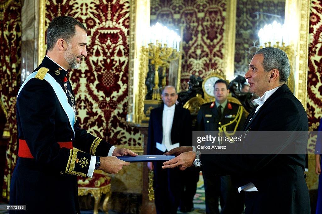 King Felipe VI of Spain Receives New Ambassadors : News Photo