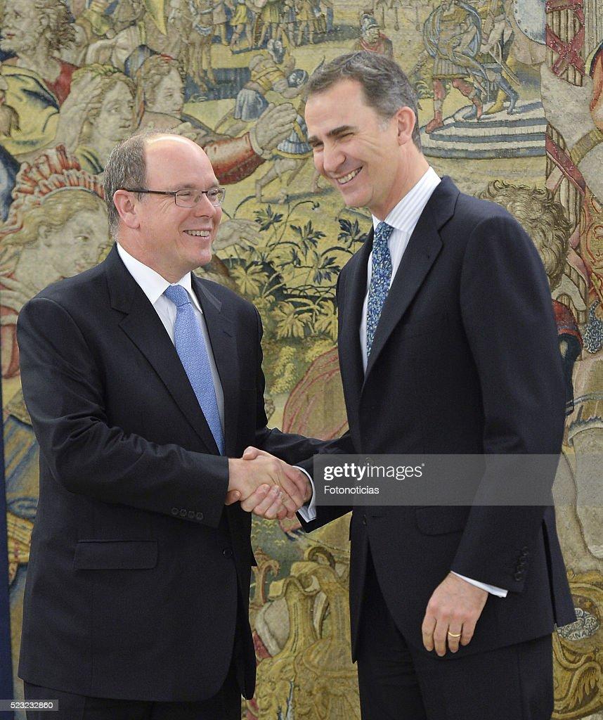 King Felipe of Spain Meets Prince Albert of Monaco : News Photo
