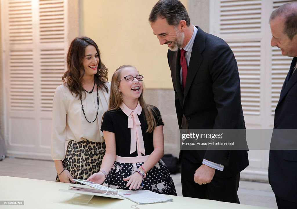 King Felipe VI Of Spain Receives 'Que Es Un Rey Para Ti' Competition Winners : News Photo