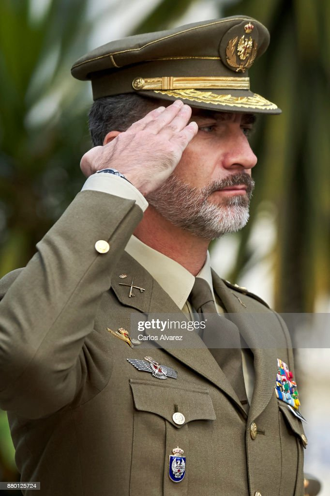 King Felipe VI of Spain visits the San Cristobal Military Barracks on November 27, 2017 in Madrid, Spain.