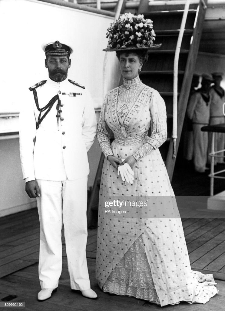 King George V and Queen Mary - Medina - 1911 : News Photo