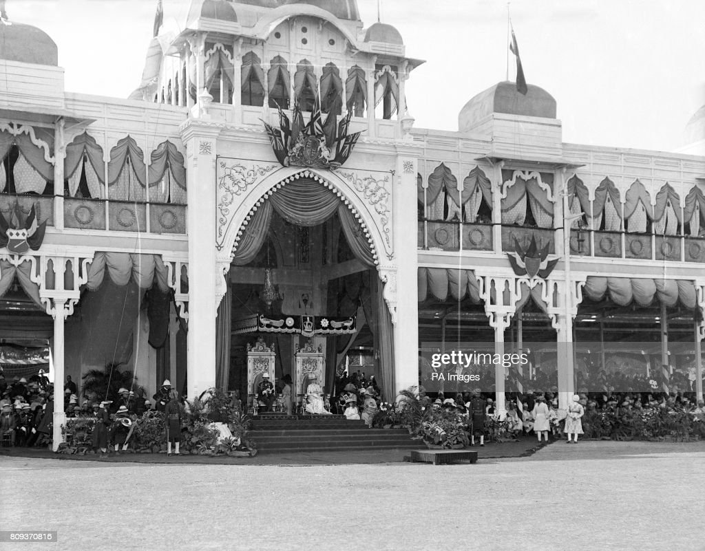 Royalty - Delhi Durbar - George V Coronation : News Photo