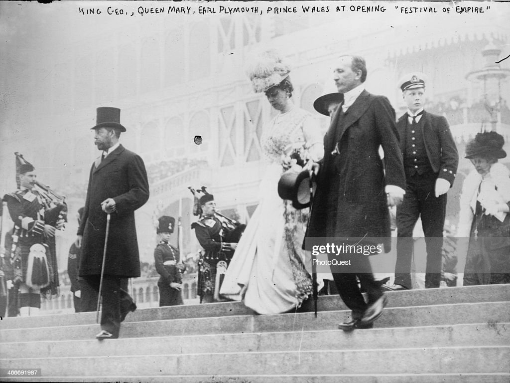 George V, Queen Mary And Prince Edward : News Photo