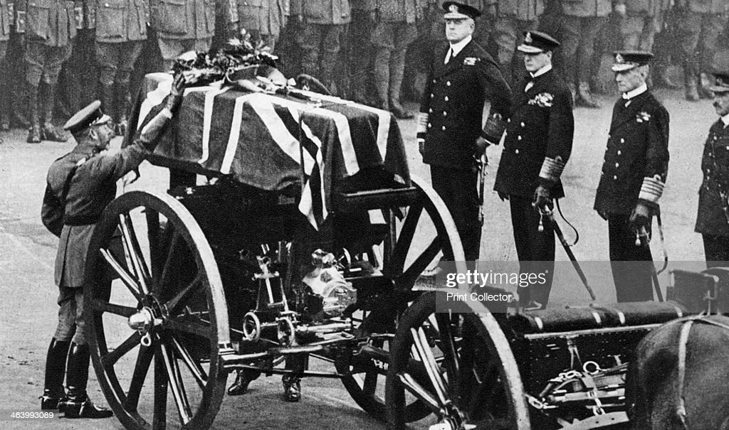 King George V places a wreath on the coffin of an unknown soldier, Whitehall, London, c1930s. : News Photo