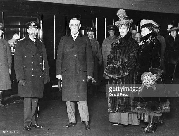 King George V US President Woodrow Wilson and Queen Consort Mary of Teck as he President leaves the country at a London railway station 1918