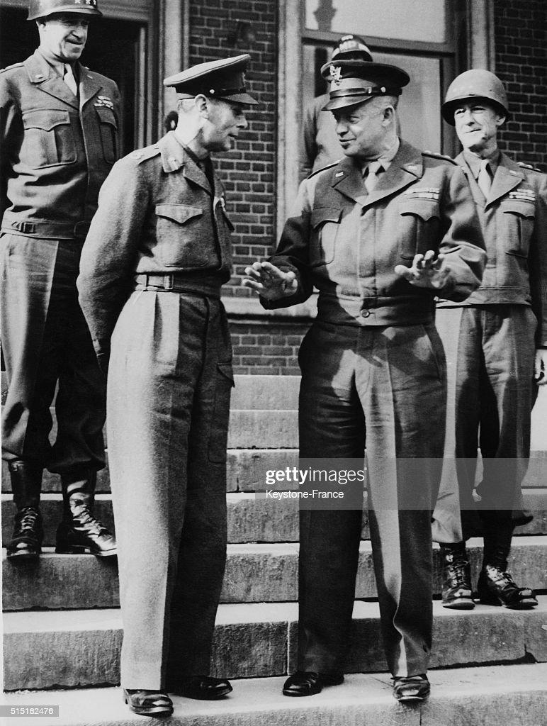 King George VI with Dwight Eisenhower : ニュース写真