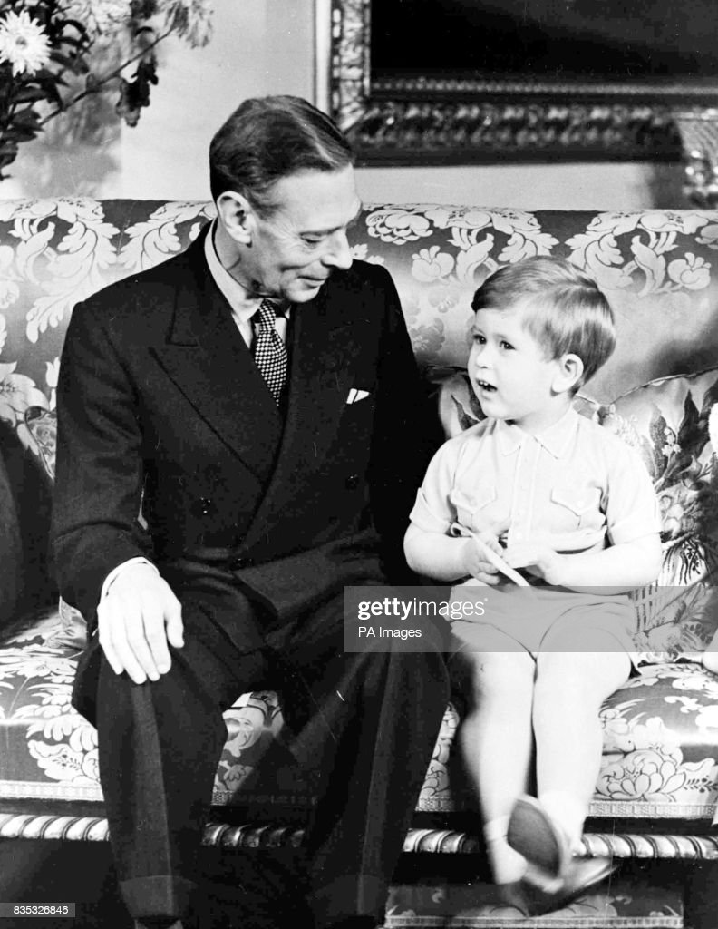 Royalty - King George VI and Grandchildren - Buckingham Palace : News Photo