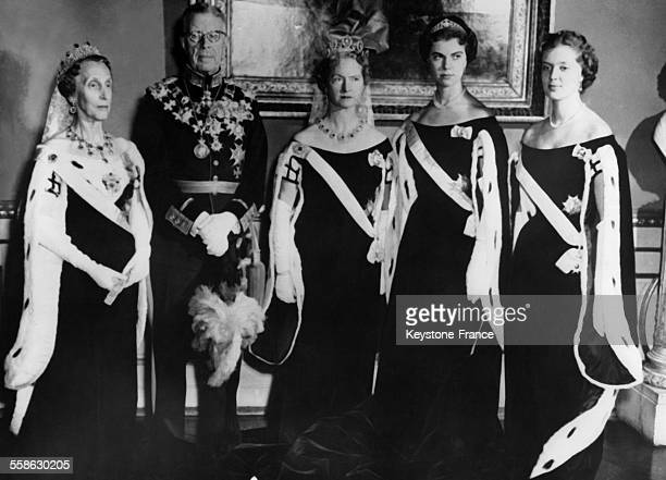 King Gustaf VI Adolf of Sweden with Queen Louise Mountbatten Princess Sibylla of SaxeCoburg and Gotha Princess Margaretha of Sweden and Princess...