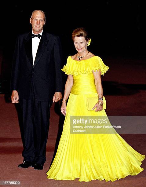 King Harald And Queen Sonja Of Norway Attend The Gala Dinner At The Ceno Palacio On The Eve Of The Wedding Of Infanta Cristina Of Spain And Inaki...