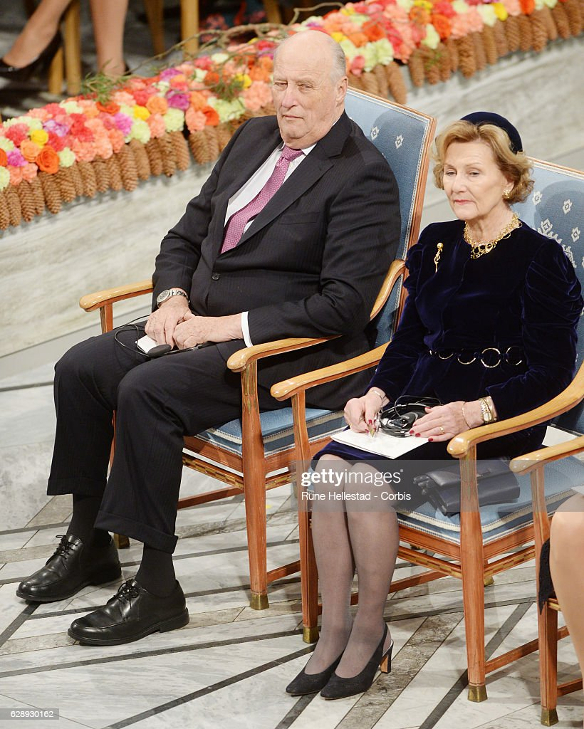 Nobel Peace Prize Award Ceremony 2016 : News Photo