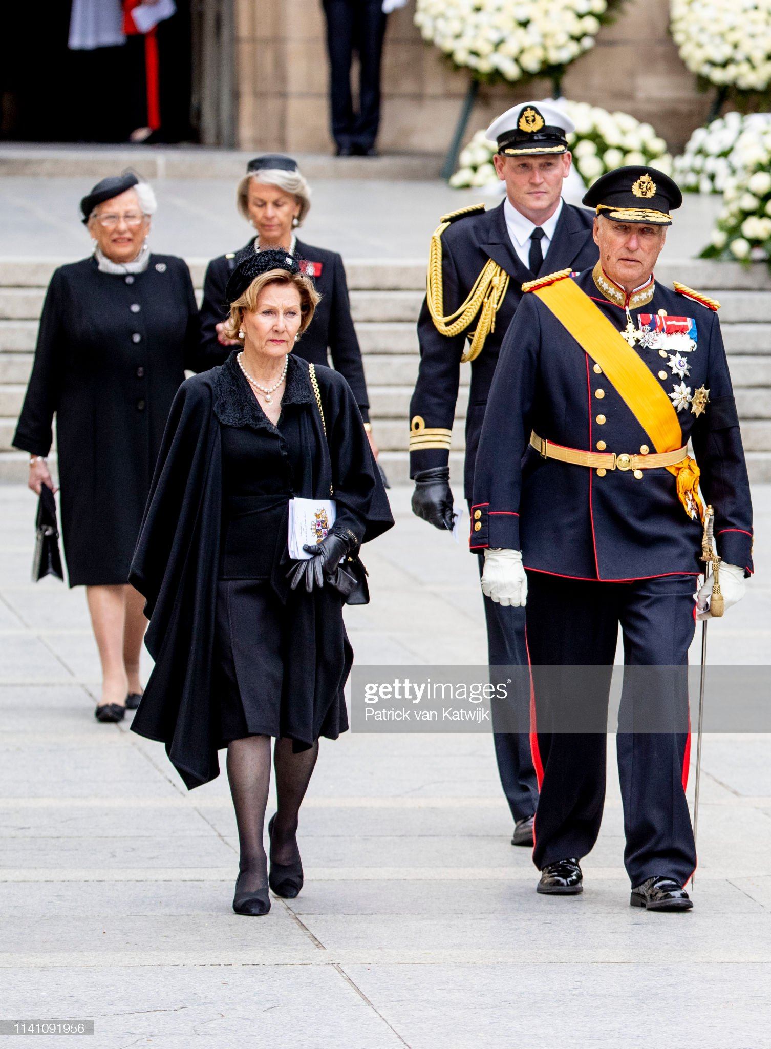 Похороны Великого Герцога Жана https://media.gettyimages.com/photos/king-harald-of-norway-and-queen-sonja-of-norway-attend-the-funeral-of-picture-id1141091956?s=2048x2048