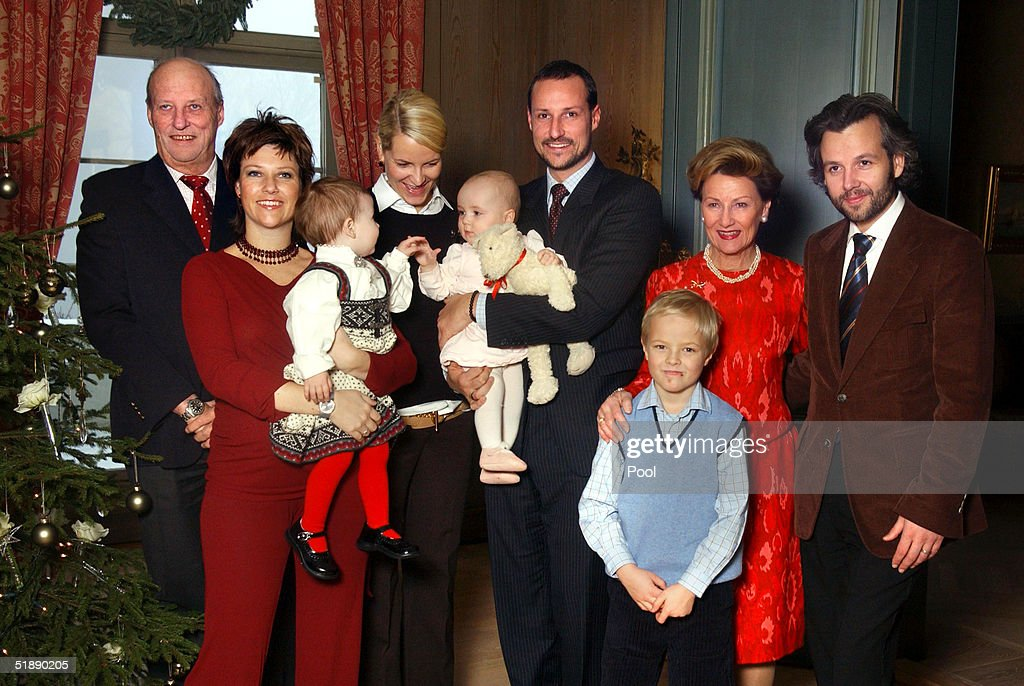 Norwegian Royal Family Poses For Christmas Portraits : News Photo