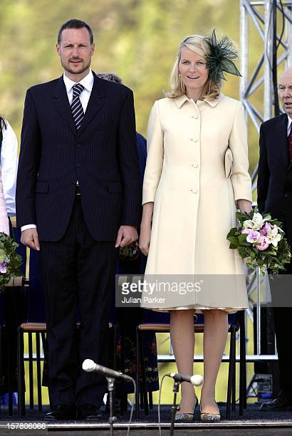 King Harald Queen Sonja Crown Prince Haakon Crown Princess MetteMarit Of Norway King Carl Gustav Queen Silvia And Crown Princess Victoria Of Sweden...