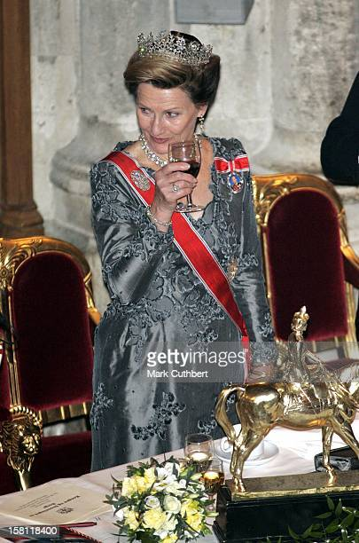 King Harald Queen Sonja Crown Prince Haakon Crown Princess MetteMarit Of Norway Visit The United KingdomBanquet At London'S Guildhall Attended By The...