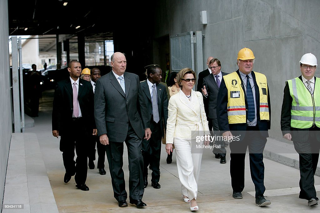 King Harald V and Queen Sonja of Norway State Visit to South Africa - Day 2 : News Photo