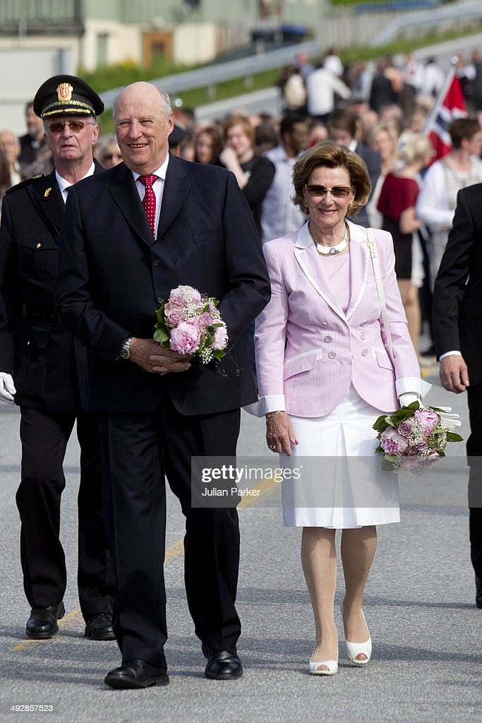 King Harlad of Norway and Queen Sonja of Norway visit the community of Aure on May 21, 2014 in More And Romsdal County, Norway. King Harald And Queen Sonja Of Norway are on a two day visit of the county of More & Romsdal in Norway.