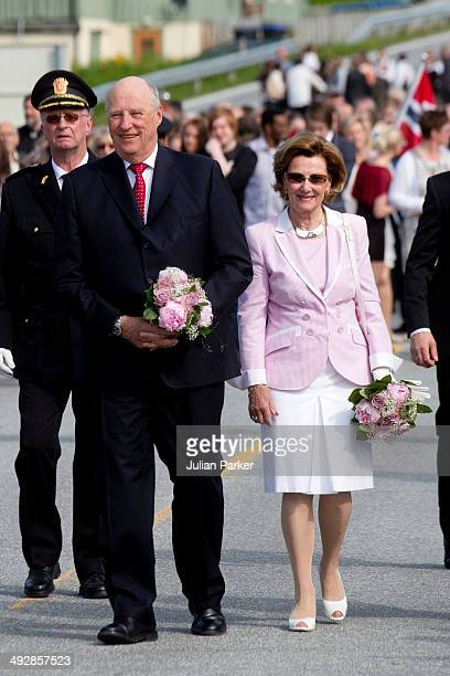 King Harlad of Norway and Queen Sonja of Norway visit the community of Aure on May 21 2014 in More And Romsdal County Norway King Harald And Queen...