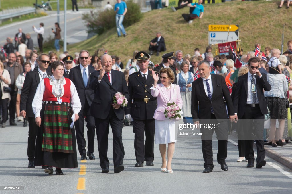 King Harlad of Norway and Queen Sonja of Norway visit the community of Aure on May 21, 2014 on May 21, 2014 in More And Romsdal County, Norway. King Harald And Queen Sonja Of Norway are on a two day visit of the county of More & Romsdal in Norway.