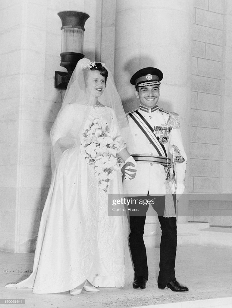 King Hussein Marries : News Photo