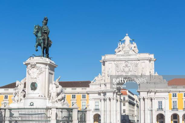 king jose monument, praca do comercio, lisbon, portugal, europe - praça do comércio imagens e fotografias de stock