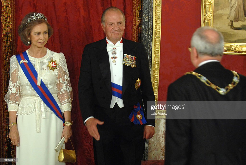HM King Juan Carlos and HM Queen Sofia receive Slovakian President Ivan Gasparovic at the Royal Gala Dinner in honour of Slovakian President and his wife Silvia at the Royal Palace on October 22, 2007 in Madrid, Spain