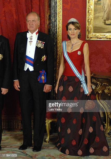 HM King Juan Carlos and HRH Princess Letizia attend the Royal Gala Dinner in honour of Slovakian President Ivan Gasparovic and his wife Silvia at the...