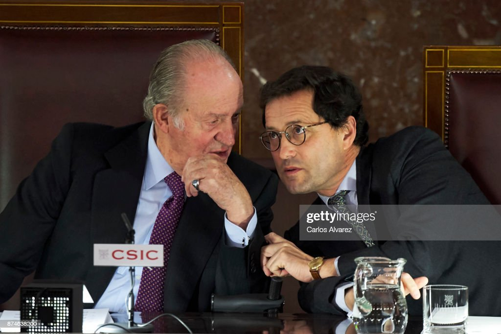 King Juan Carlos (L) and Jaime Haddad Sanchez de Cueto (R) preside the FONDENA Award 2017 at the CESIC on November 15, 2017 in Madrid, Spain.