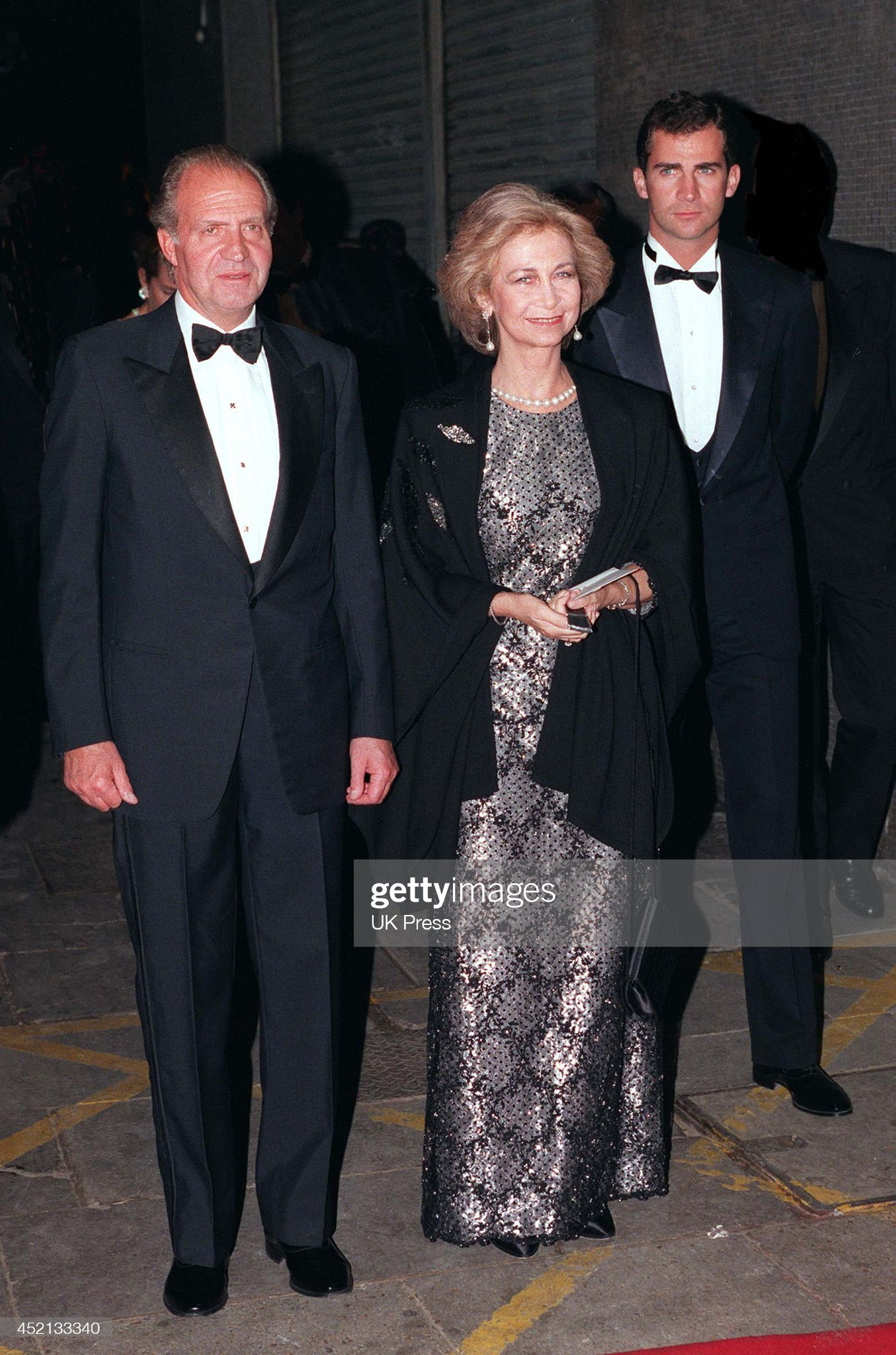 Queen Elizabeth II, and Prince Philip, Duke of Edinburgh, Golden Wedding Anniversary : News Photo