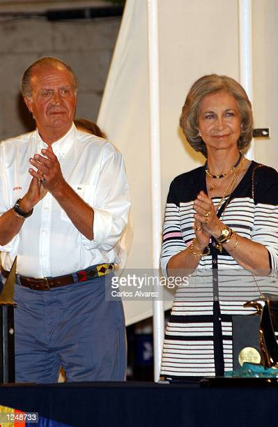 King Juan Carlos and Queen Sofia of Spain attend the award ceremony of the 21st Shaling Trophy Copa del Rey August 4 2002 in Palma de Mallorca Spain