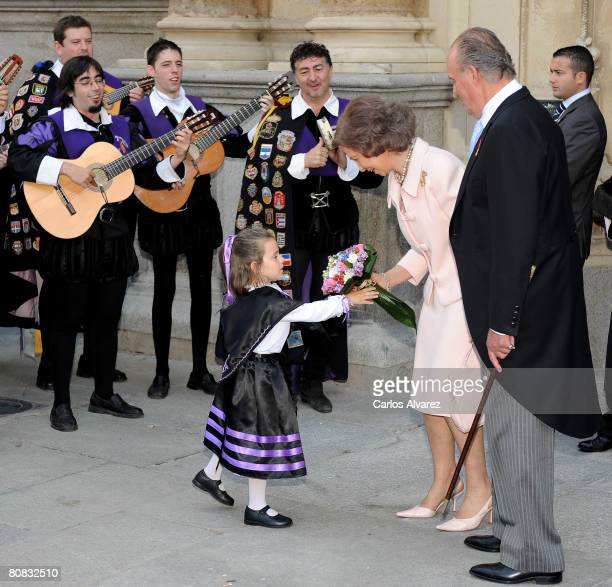 King Juan Carlos and Queen Sofia of Spain attend the 'Cervantes' Literary Award at the Alcala de Henares University on April 23 2008 in Alacala de...