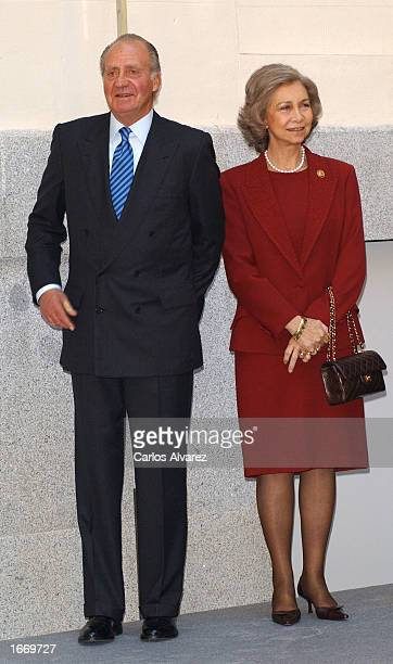 King Juan Carlos and Queen Sofia of Spain attend the opening of Museum 'Casa Encendida' December 3 2002 in Madrid Spain