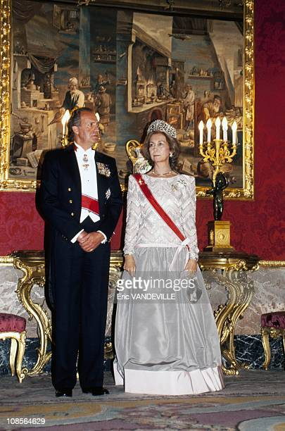 King Juan Carlos and Queen Sofia of Spain receive King Harald and Queen Sonja of Norway in Madrid Spain on April 21th 1995