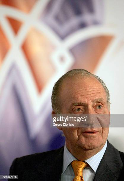 King Juan Carlos I attends the Australia Spain Business Forum at the Shangri-La Hotel on June 26, 2009 in Sydney, Australia. The Royal couple met...