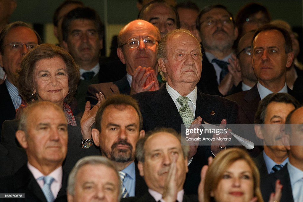 King Juan Carlos I of Spain (R) and Queen Sofia of Spain (L) clap after listening to the national anthem prior to the start the Copa del Rey Final match between Real Madrid CF and Club Atletico de Madrid at Estadio Santiago Bernabeu on May 17, 2013 in Madrid, Spain.