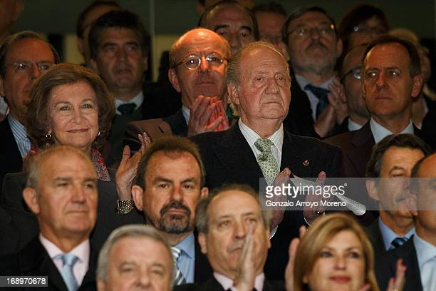 King Juan Carlos I of Spain and Queen Sofia of Spain clap after listening to the national anthem prior to the start the Copa del Rey Final match...