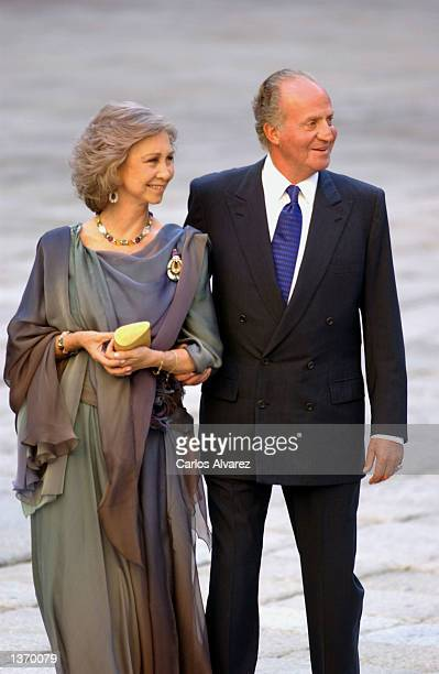 King Juan Carlos of Spain and Queen Sofia arrive at the Chapel of the Monastery of El Escorial for the wedding of Ana Aznar daughter of Spanish Prime...
