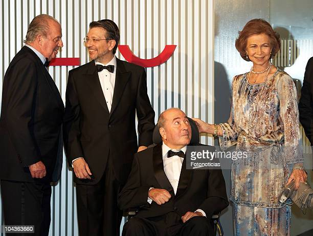 King Juan Carlos of Spain and Queen Sofia of Spain attend a gala dinner in honour of the winners of 'Mariano de Cavia' 'Luca de Tena' and Mingote'...