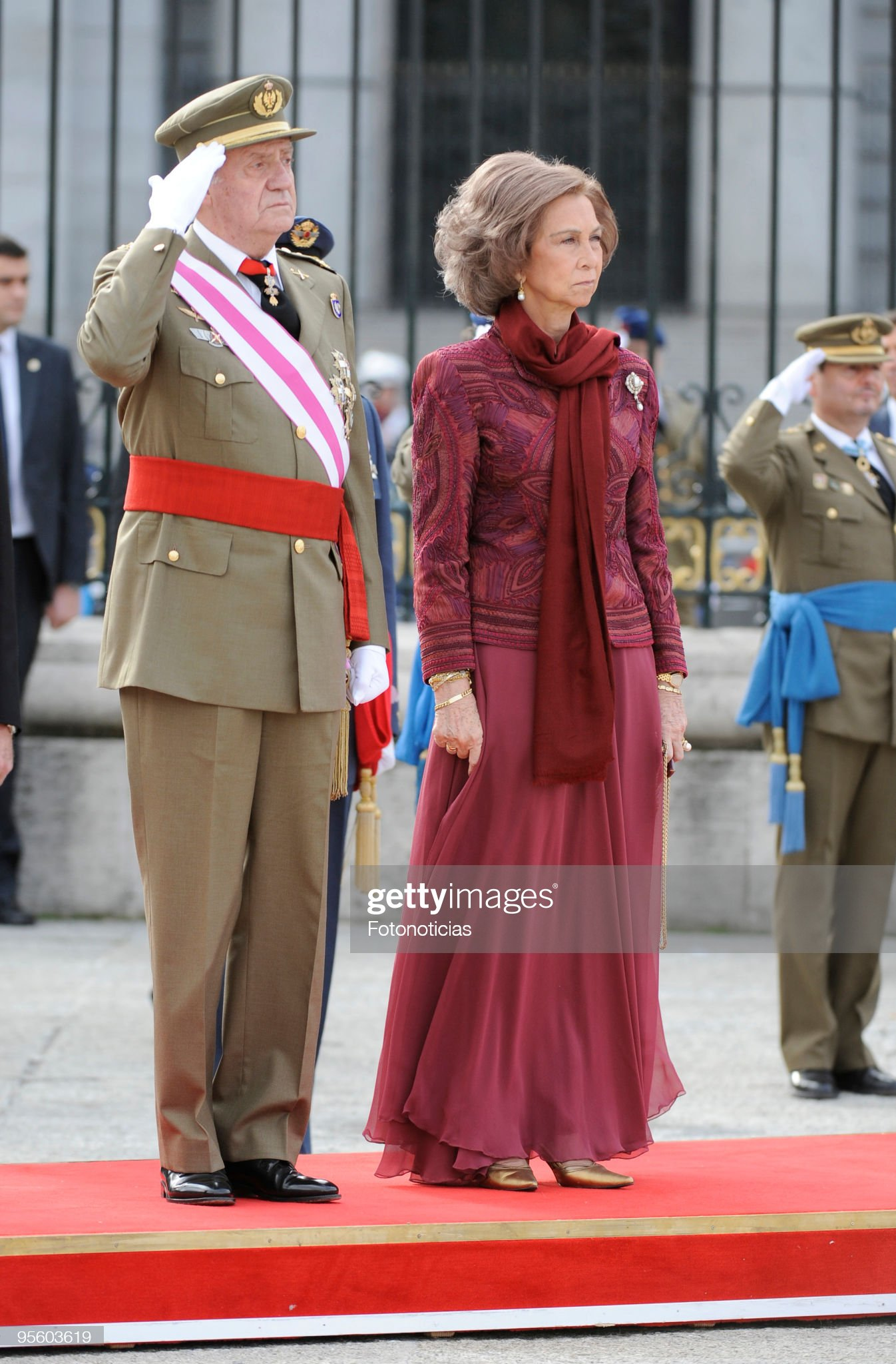 Spanish Royals Celebrate New Year´s Military Parade 2010 : News Photo